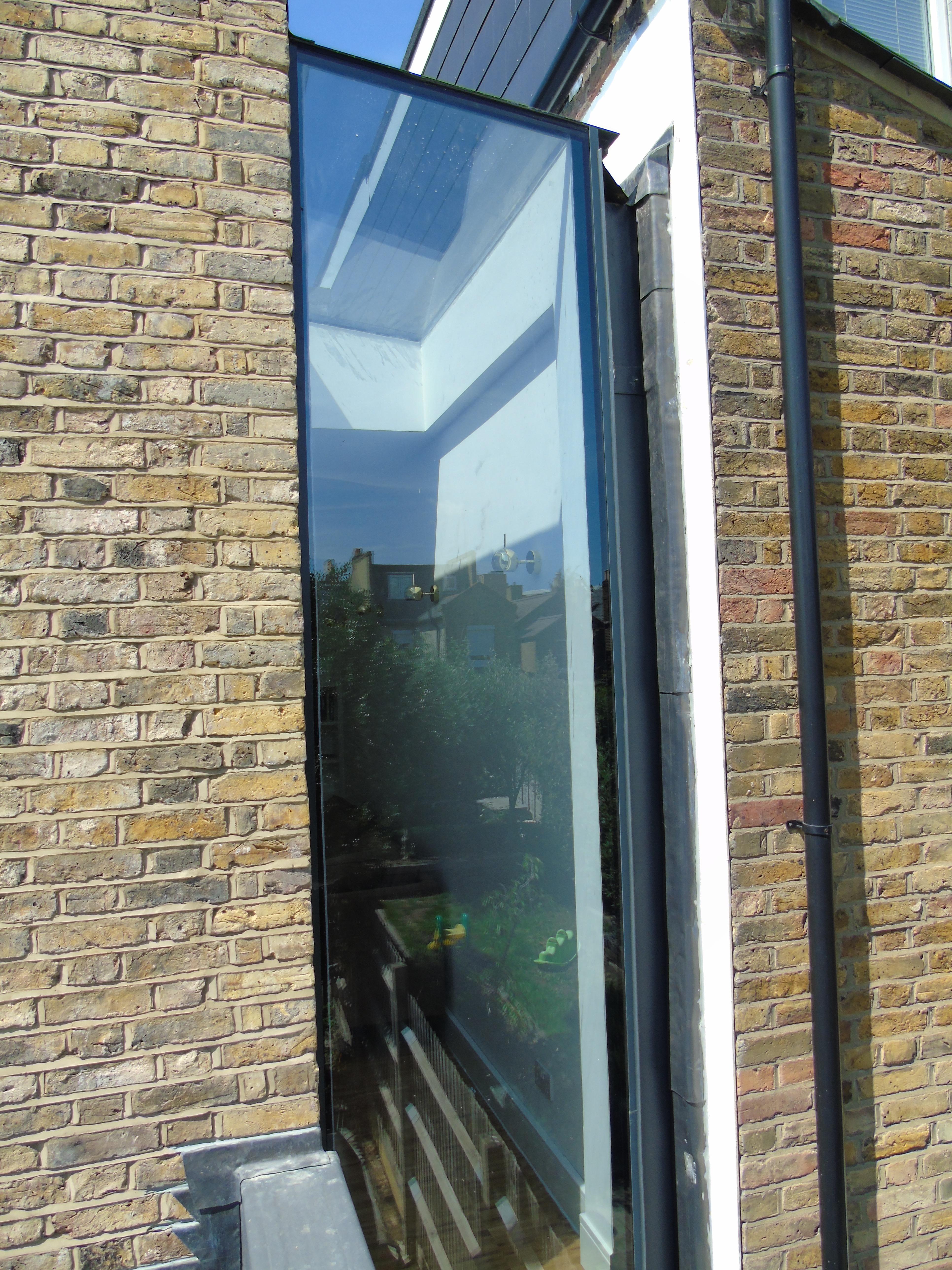 Frameless Glass Window Seats And Vertical Frameless Glass
