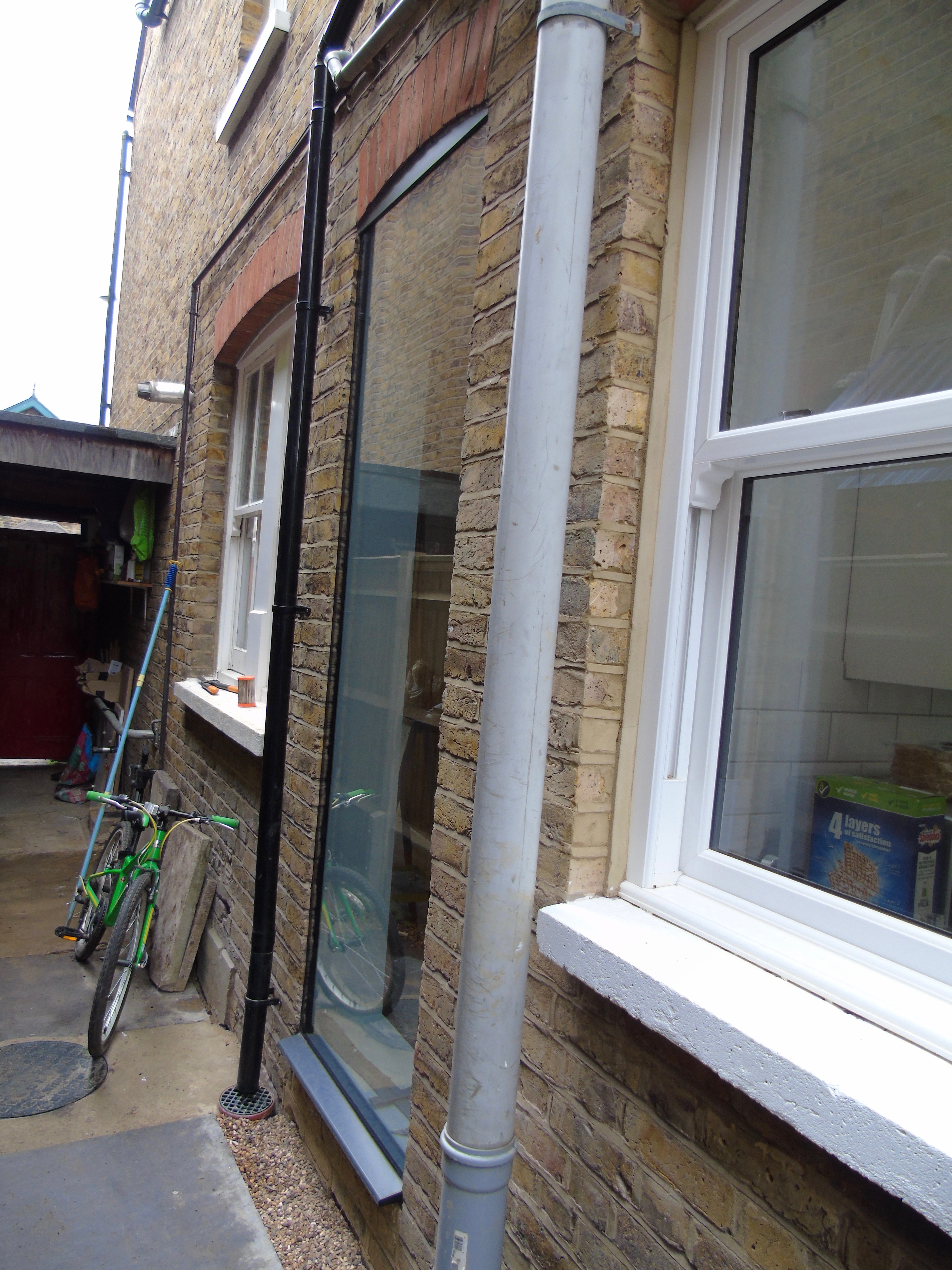 Frameless Glass Window Seats and Vertical Frameless Glass Windows ...