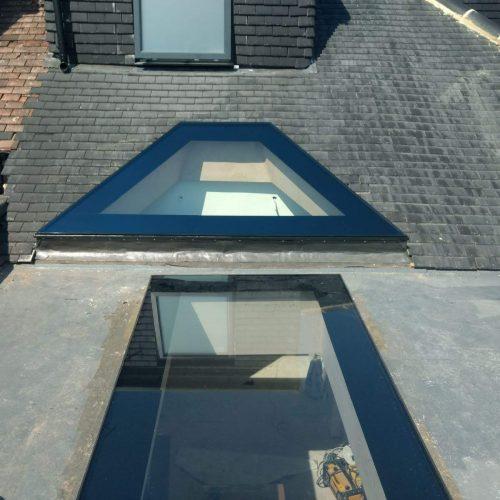 Frameless lightwell Shaped glass