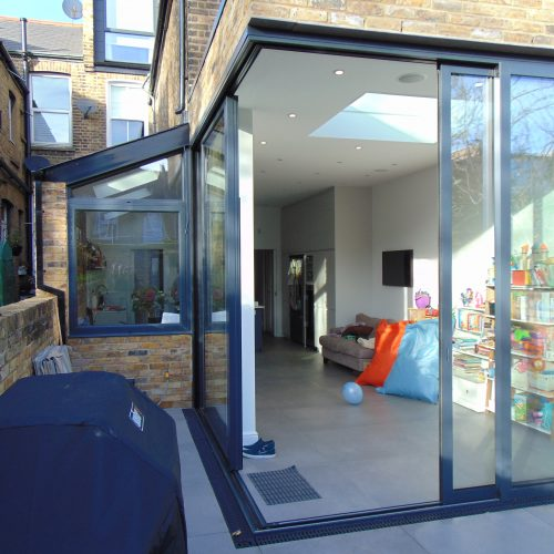 90 degree moving corner post - 1st Folding Sliding Doors