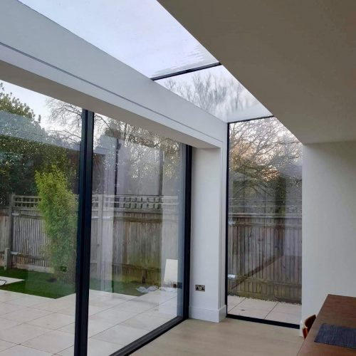 Frameless glass roof
