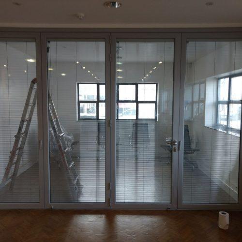 bifold door with pellini blinds