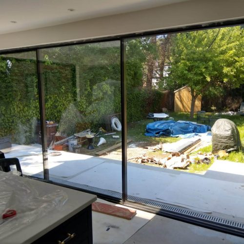 20mm Virtually Frameless Sliding Door 90 degree moving corner post