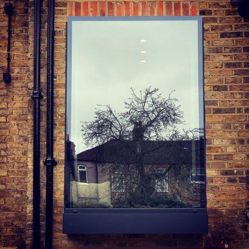 Frameless glass seatFrameless glass seat - 1st Folding Sliding Doors